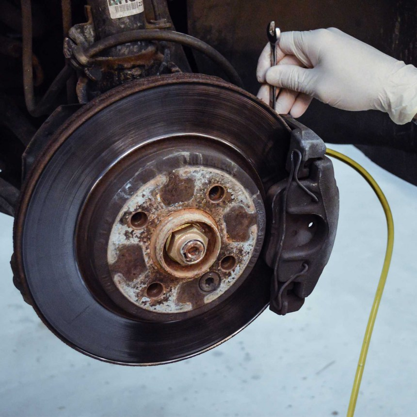 lohen-fitted-brake-service-category-main-image